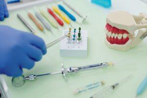 narzędzia stomatologa